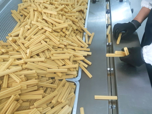arrr 營養潔牙棒 製造過程